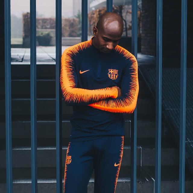 Barcelona Fc Foto >> De nieuwe Nike FC Barcelona trainingspakken zijn gruwelijk - Voetbalshop.nl
