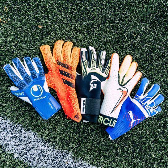 Voetbalshop helpt jou de juiste keepershandschoenen te vinden